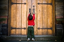 door-closed-w-little-boy1